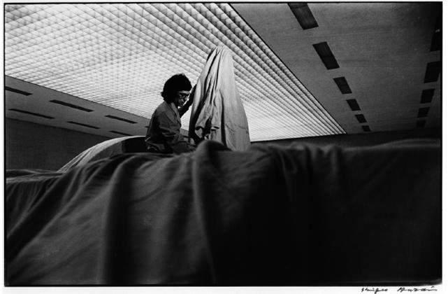 Christo_10th_tokyo-biennale_70_between_man-and_matter_tokyo_metropolitan_art_museum